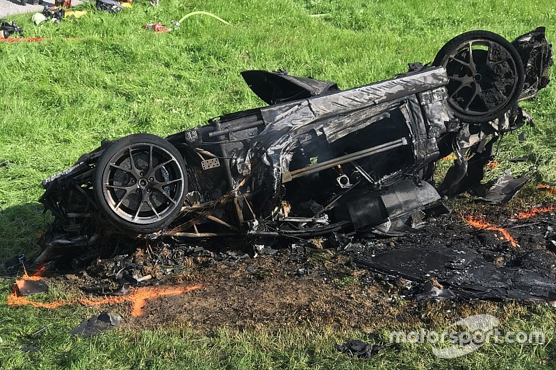 Richard Hammond elitrasportato in ospedale dopo un incidente