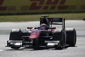 【F2】バルセロナ・レース2:松下がトップチェッカー。今季初優勝!