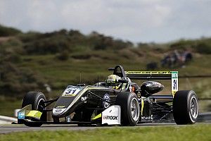 Norris loses Zandvoort F3 pole to Ilott after penalty