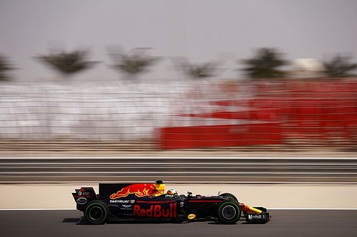 Bahrain F1 test: Ricciardo leads Hamilton on first morning