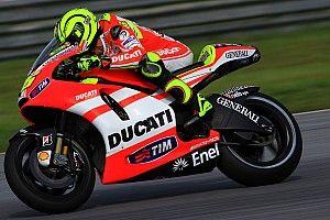 El patrocinador invita a Rossi a seguir en activo con una Ducati del VR46