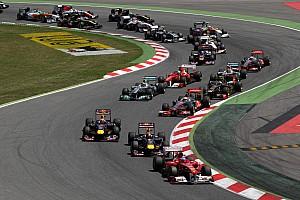 Vídeo y fotos: la salida estelar de Alonso en el GP de España 2011