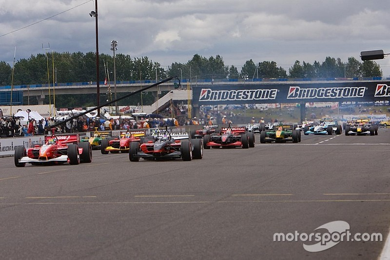 "IndyCar standing starts ""not a priority"" for 2022 regs"