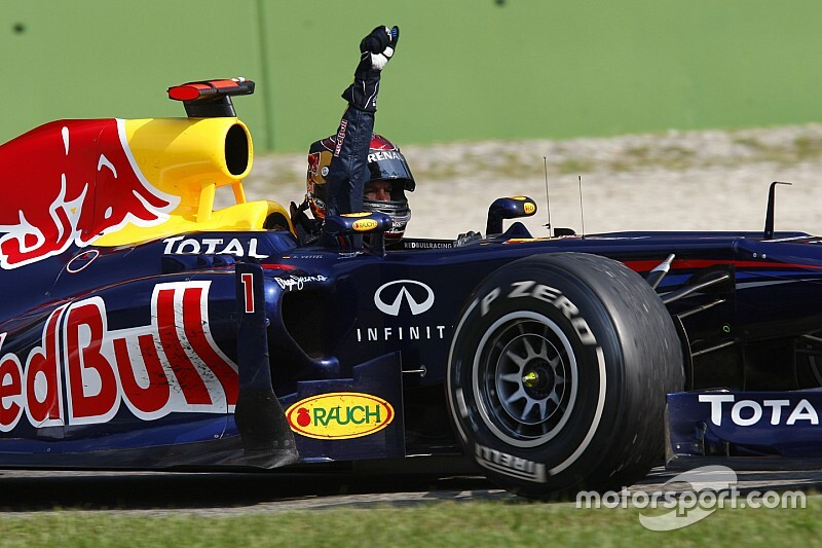 Vettel egészen lenyűgöző manővere Alonso ellen Monzában: ez nagyot szólt (videó)