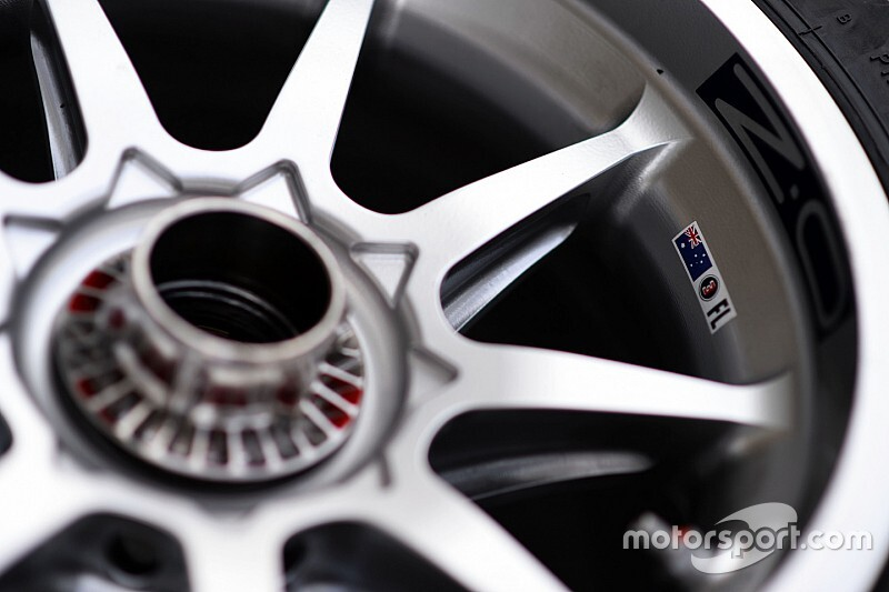 FIA не будет «кошмарить» команды из-за отверстий в дисках