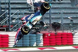 Há 26 anos, batida de Barrichello iniciava fim de semana mais trágico da F1