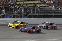 Dale Earnhardt Jr., Hendrick Motorsports Chevrolet, Denny Hamlin, Joe Gibbs Racing Toyota, Ricky Ste