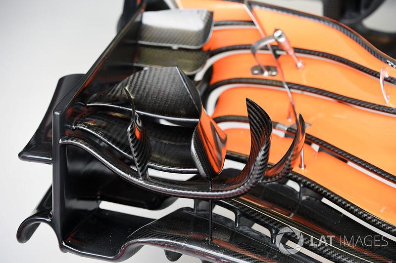 Detalle del alerón delantero del McLaren MCL32
