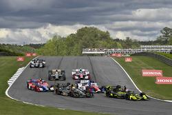 Charlie Kimball, Chip Ganassi Racing Honda, Zach Veach, Ed Carpenter Racing Chevrolet au départ