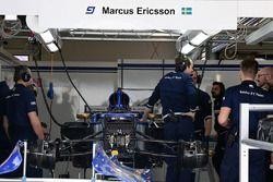 Sauber C36 in the garage