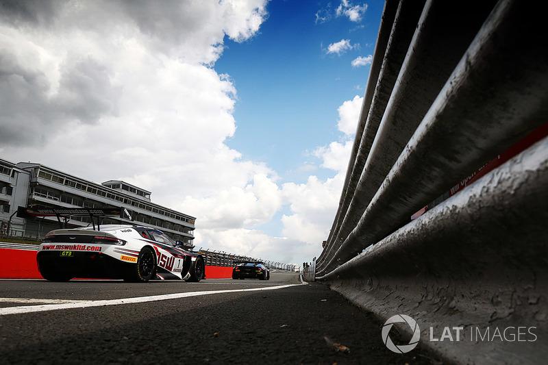 #1 TF Sport Aston Martin Vantage GT3: Derek Johnston, Jonny Adam
