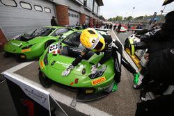 Les vainqueurs Christian Engelhart, Mirko Bortolotti, GRT Grasser Racing Team