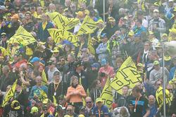Des fans de Valentino Rossi, Yamaha Factory Racing