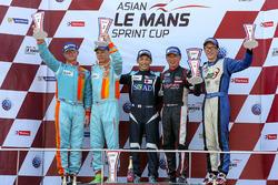 Podium: race winner Shinyo Sano, TKS second place William Lok and Davide Rizzo, Win Motorsport, third place Dominic Ang and Douglas Khoo, Infinity Race Engineering