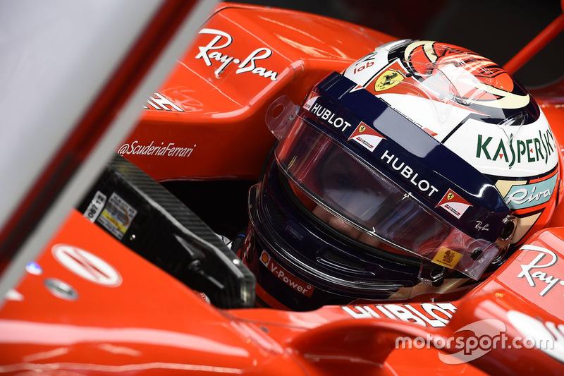 """""""Talvez eles devam se sentar e conversar com ele. Hoje, ele parecia ocupado com outras coisas, Vettel foi mais agressivo."""""""