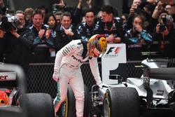 1. Lewis Hamilton, Mercedes AMG F1 W08, im Parc Ferme