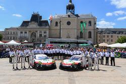 №92 Porsche Team Porsche 911 RSR: Микаэль Кристенсен, Кевин Эстре, Дирк Вернер; №91 Porsche Team Por