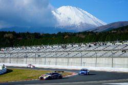 Pist üzeri mücadele ve Fuji Dağı