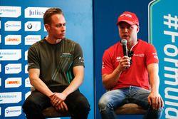 Adam Carroll, Jaguar Racing, en Felix Rosenqvist, Mahindra Racing