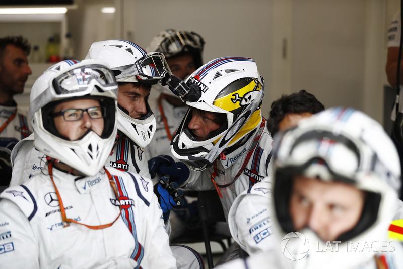 Guy Martin si unisce ai meccanici Williams