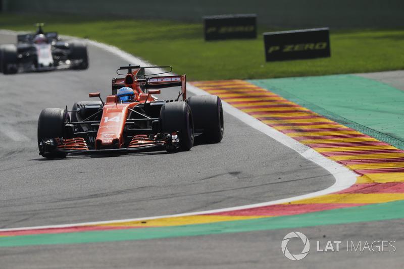 Giro 6 - Fernando Alonso, McLaren MCL32