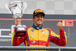Podium: winnaar Giuliano Alesi, Trident