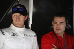 Scott Dixon, Chip Ganassi Racing Honda and engineer Chris Simmons