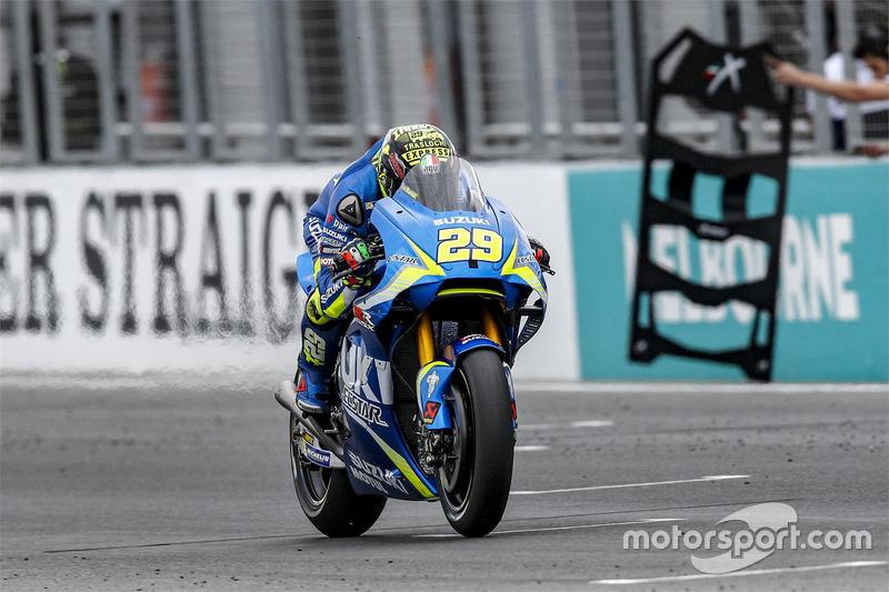 13º Andrea Iannone (Suzuki ECSTAR) 1:29.547, a 0.998s