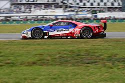 №66 Chip Ganassi Racing Ford GT: Дирк Мюллер, Джой Хенд, Себастьен Бурдэ
