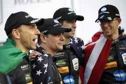 Podium : les vainqueurs Ricky Taylor, Jordan Taylor, Max Angelelli, Jeff Gordon, Wayne Taylor Racing