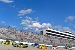 Matt Crafton, ThorSport Racing, Toyota; Justin Haley, Chevrolet