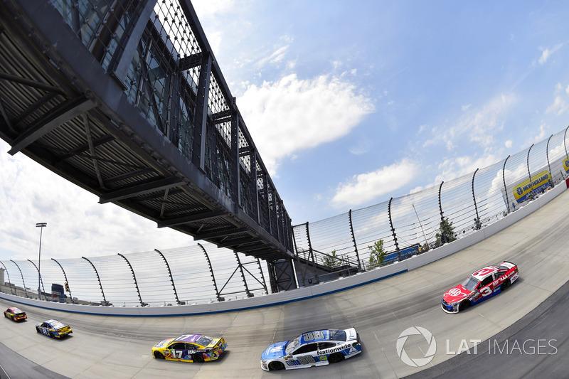 Dale Earnhardt Jr., Hendrick Motorsports, Chevrolet; Austin Dillon, Richard Childress Racing, Chevrolet