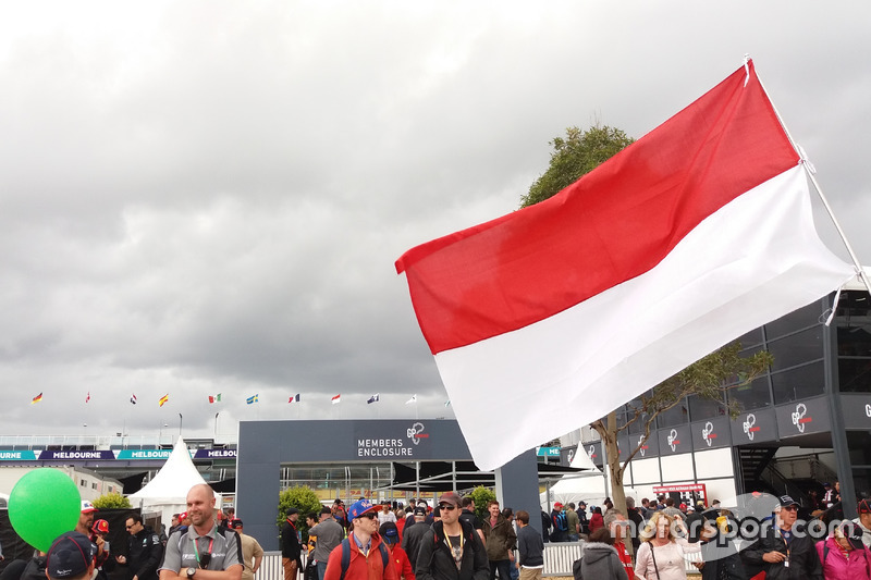 Bendera Indonesia di Albert Park, Australia