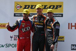 Jack Goff, Eurotech Racing, Honda Civic Type R; Matt Neal, Team Dynamics, Honda Civic Type R; Gordo
