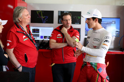 Prof. Dr. Peter Gutzmer, Schaeffler; Franco Chiochetti avec Lucas di Grassi, ABT Schaeffler Audi Sport