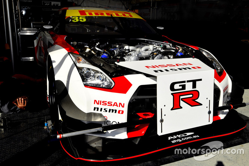 #35 Nissan GT Academy Team Kelly, Nissan GT-R NISMO GT3: Mathew Simmons, Michael Caruso