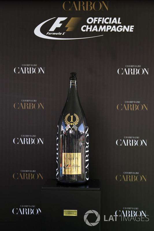 Carbon Champagne recepción para los medios de comunicación