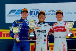 FIA F2ハンガロリンク戦レース2の表彰台