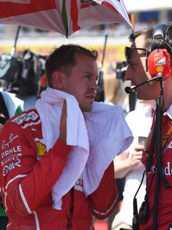 Sebastian Vettel, Ferrari, Riccardo Adami, Ferrari Race Engineer