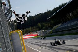 Checkered flag for Joel Eriksson, Motopark Dallara F317 - Volkswagen