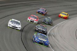 Chase Elliott, Hendrick Motorsports Chevrolet, Martin Truex Jr., Furniture Row Racing Toyota, Brad K