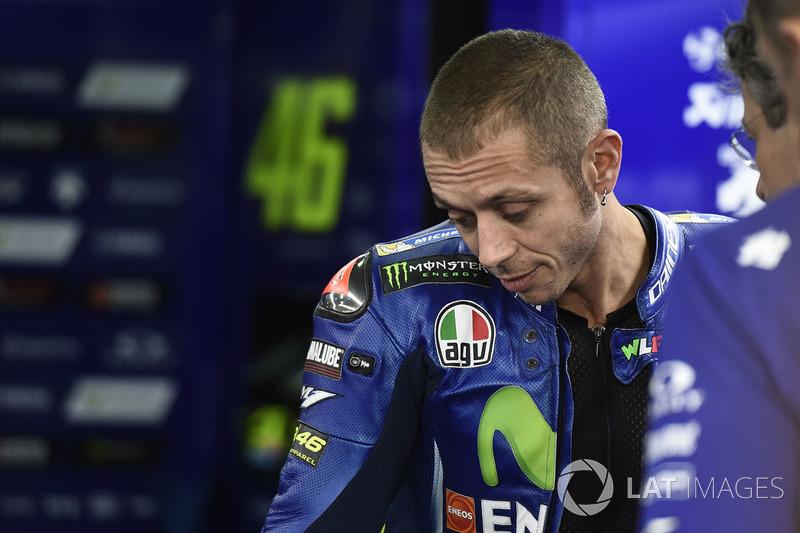 2017: Quase nos quarenta, Rossi voltou ao visual 'careca'