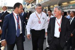 Alex Molina, Allsport Management, Ross Brawn, Formula One Director de Motorsports y Chase Carey, Dir