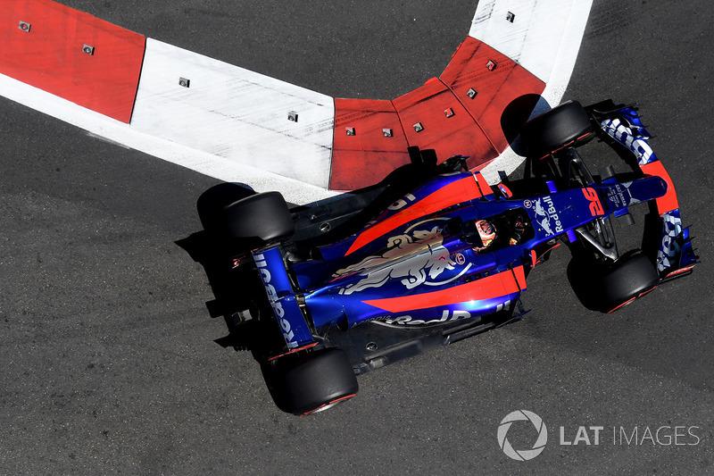 13. Daniil Kvyat, Scuderia Toro Rosso STR12