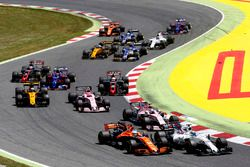 Felipe Massa, Williams FW40, Fernando Alonso, McLaren MCL32, Esteban Ocon, Sahara Force India F1 VJM