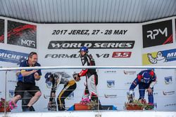 Podium: race winner Pietro Fittipaldi, Lotus, second place Egor Orudzhev, SMP Racing, third place Ma