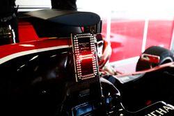Système d'affichage du nombre d'utilisations du DRS disponibles sur la voiture de Jack Aitken, ART Grand Prix