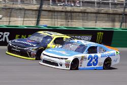Matt Tifft, Joe Gibbs Racing Toyota y Spencer Gallagher, GMS Racing Chevrolet