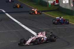 Серхио Перес, Sahara Force India F1 VJM10, Даниил Квят, Scuderia Toro Rosso STR12, Фернандо Алонсо, McLaren MCL32