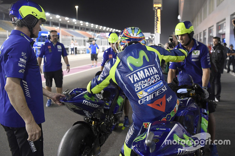 Valentino Rossi berlatih flag-to-flag